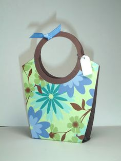 Paper tote - tutorial on blog post.