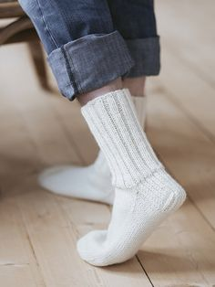 Ravelry: Basic Socks Novita Veljestä) 7 Brothers pattern by Novita knits Sock Cupcakes, Lace Patterns, Boot Socks, Needles Sizes, Knitting Socks, Girls Best Friend, Knit Crochet, Brother, Heels