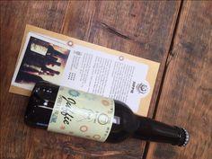 Beer in a box Juffie tip van foodblog Foodinista - Review Beer in a Box door Foodinista - Biertjes ontdekken en proeven vind ik altijd leuk. Wellicht ben je daar al achter. Alleen komt het er bij mij meestal op neer dat ik voor het proeven de deur uit ga. Zoals een bierfestival in Gent, een bier spijs diner in Leuven of een biercafé in Amsterdam. Beer in a box maakt het allemaal iets gemakkelijker en dat is leuk! Misschien ken jij ook wel bierliefhebbers. Waarbij de liefde verder gaat dan een pi Wine Rack, Ale, Bottle, Tips, Ale Beer, Flask, Wine Racks, Jars, Ales