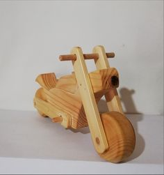 Dimensiuni : x cm Wood Work, Wooden Toys, Woodworking, Wooden Toy Plans, Wood Toys, Woodworking Toys, Joinery, Wood Working, Woodwork