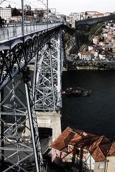 One of the bridges over the Douro river in Oporto #Portugal