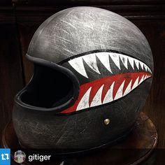 #Repost @gitiger・・・ปากหลามมม✈️ #ttandco #babystar #kustompaint #flyingtiger #sharkmouth #pinstriping #fatboydesign Nice!  #helmet #vintagehelmet #caferacer #instacaferacer #instamotor #instamotogallery