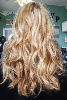 99 Excellent Blonde Hair Color Ideas You Have To Try - Warm blonde hair - Blonde Hair Shades, Golden Blonde Hair, Blonde Hair Looks, Blonde Hair With Highlights, Brown Blonde Hair, Caramel Highlights, Chunky Highlights, Color Highlights, Carmel Blonde Hair