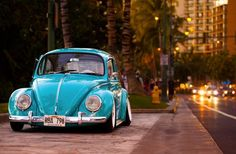 Volkswagen New Beetle is a compact car introduced by Volkswagen in The exterior design of this car is taken from the original Beetle. Volkswagen New Beetle, Volkswagen Karmann Ghia, Auto Volkswagen, Beetle Car, Blue Beetle, Vw T, Combi Wv, E90 Bmw, Automobile