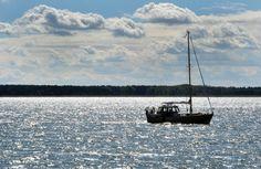 """Fahrt auf der Peene: Der Name des Gewässers bedeutet """"der schaumige Fluss"""" und..."""