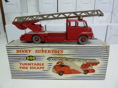 DINKY TOYS NO.956 TURNABLE FIRE ESCAPE, FIRE ENGINE, BOXED