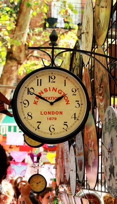 Londyn - zegar na stacji Kensington / clock, Kensington station, London London England, England Uk, The Places Youll Go, Places To Go, As Time Goes By, England And Scotland, Jolie Photo, London Calling, London Travel