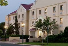 The Road Lodge Kimberley is considered by many to be the best Road Lodge Hotel in South Africa.It is situated adjacent to the Flamingo Entertainment Center Free State, Cape, Hotels, African, Mansions, House Styles, Home Decor, Mantle, Cabo