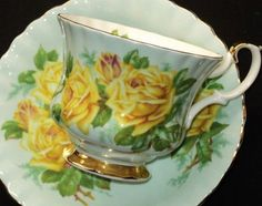 Royal Albert England Yellow Tea Rose Green Un-Named
