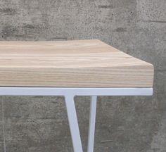 Details we like / Table / Oak / metal / White / Frame / at takeovertime