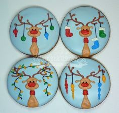 Reindeer w/antlers cookies.hmmm I'm thinking this art would make cute dessert plates Christmas Biscuits, Christmas Sugar Cookies, Christmas Sweets, Noel Christmas, Holiday Cookies, Christmas Baking, Christmas Tables, Reindeer Christmas, Nordic Christmas
