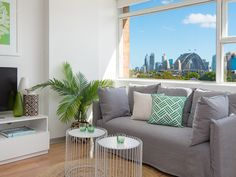 Enjoying an eighth-floor position, the view from this spacious studio apartment stretches from the sparkling blue waters of Sydney Harbour to the iconic Harbour Bridge. Its central location is...