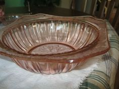 """ PINK DEPRESSION` ""JEANETTE GLASS ""  ADAM 4 CUP` SERVING BOWL  """