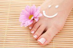 Veja como ter mãos e pés lindos nesse verão! http://www.feminices.blog.br/maos-e-pes-lindos-nesse-verao/