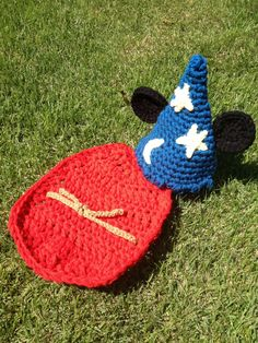 Baby Wizard Hat & Cape Set Crochet Photo Prop by DesignsforLilly, $40.00