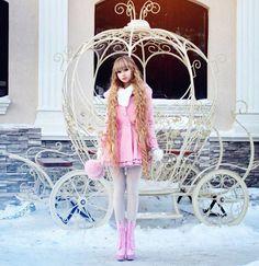 Meet ANOTHER real life Barbie from Russia – Anzhelika Kenova. Beautiful or bizarre? Gyaru Fashion, Mode Kawaii, Kawaii Girl, Human Doll, Really Long Hair, Girl M, Barbie Princess, Living Dolls, Fashion Royalty Dolls
