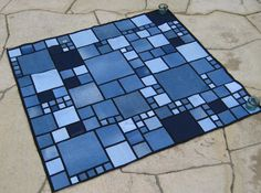 I've never made a quilt.  This might be a good first effort!  LOVE THIS JEAN QUILT!
