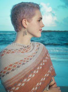Free shawl knitting pattern Flora by The Noble Thread #knitting #knittingpatterns #freeknittingpattern #shawl