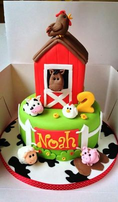 Cake Second Birthday Ideas, Fall Birthday, 6th Birthday Parties, 2nd Birthday, Farm Birthday Cakes, Farm Animal Birthday, 1st Birthday Decorations, Farm Animal Cupcakes, Animal Cakes