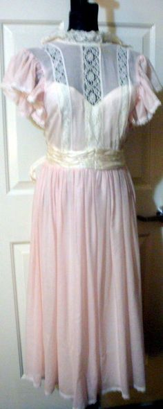 Gunne Sax By Jessica McClintock Vntage 1970's Pink Lace and Satin Dress sz 5…