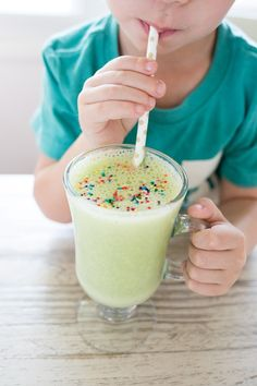 Healthy Shamrock Shake for Kids - Freutcake