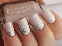 """La tendance """"Low Nails"""", des ongles nudes en toute beauté !  http://www.manucure-beaute.com/382-nude-essie"""