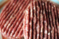 En octobre 2013 un contrôle met en évidence la présence de la bactérie E.coli dans des steaks hachés surgelés vendus dans les magasins Dia. Ces bactéries, naturellement présentes dans l'intestin des bovins, peuvent se transmettre à l'homme si la viande n'est pas suffisamment cuite. Plusieurs personnes, notamment de jeunes enfants, décèdent de cette bactérie.