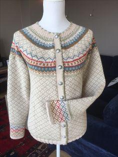 Knitting Projects, Knitting Ideas, Ear Hats, Fair Isle Knitting, Knitting Charts, Knit Jacket, Kids Hats, Knit Fashion, Men Sweater