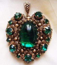 OLD-VINTAGE-ANTIQUE-ART-DECO-BOHEMIAN-EMERALD-Ornate-Filigree-Pendant-Neiger