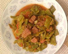 Green beans with meat – Etli Taze Fasulye – Turkish recipes - Fleisch Turkish Recipes, Ethnic Recipes, Green Bean Recipes, Beans Recipes, Kebab, Yams, Ratatouille, Guacamole, Green Beans