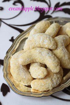 300 gr liszt    200 gr kókuszreszelék    2 tojás    250 gr vaj/margarin    120 gr cukor    1 vaníliás cukor    1 kk sütőpor ...