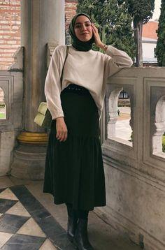 Modest Fashion Hijab, Modern Hijab Fashion, Street Hijab Fashion, Hijab Fashion Inspiration, Korean Fashion Trends, Modest Outfits, Chic Outfits, Fashion Outfits, Muslim Fashion