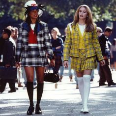 How to dress like Cher Horowitz and make your own Cher Horowitz costume from Clueless. This is a cute halloween or fancy dress costume from a cult movie Clueless Fashion, 2000s Fashion, Fashion History, Fashion Outfits, Dionne Clueless Outfits, Cher Clueless Outfit, Clueless 1995, Clueless Cher And Dionne, Fashion Women