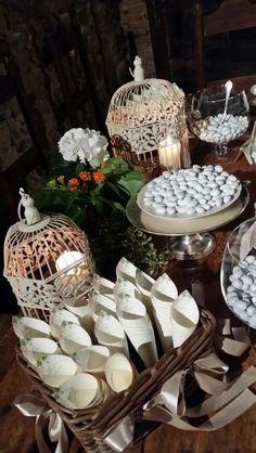 Design confettata Tuscany, Confetti, Tea Lights, Wedding Planner, Candles, Table Decorations, Furniture, Food, Design