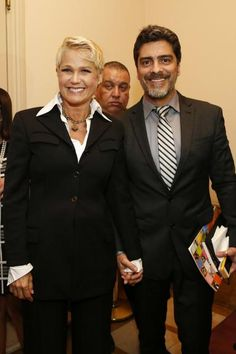 Xuxa e Junno participam de premiação no Rio de Janeiro