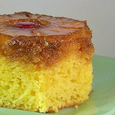 I remember my mom making Pineapple Up-Side down Cake. I loved it! I loved the super-sweet and moist topping with it& embedded fruit. Just Desserts, Delicious Desserts, Yummy Food, Cake Mix Recipes, Dessert Recipes, Cupcake Recipes, Dessert Ideas, Cake Ideas, Gourmet Recipes