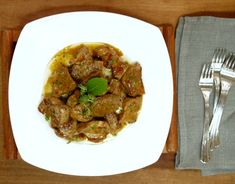 εύκολη τηγανιά με χοιρινό - η συνταγή του ένδοξου μεζέ Pork, Ethnic Recipes, Pork Roulade, Pigs, Pork Chops