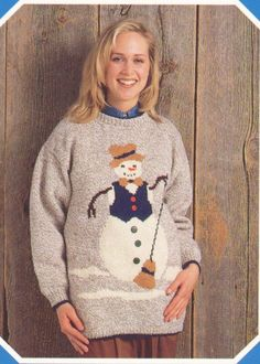 Knit this tunic with our pattern. Pattern Books, Pattern Paper, Tunic Pattern, Sweater Outfits, Christmas Sweaters, Snowman, Knitting Patterns, Graphic Sweatshirt, Sweatshirts