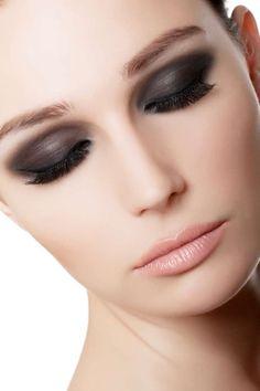 Lippenstift für helle Haut - Looking beautiful - Make-Up Best Lipstick Color, Lipstick For Fair Skin, Blue Lipstick, Lipstick Dupes, Natural Lipstick, Best Lipsticks, Lipstick Shades, Pink Lips, Lipstick Colors