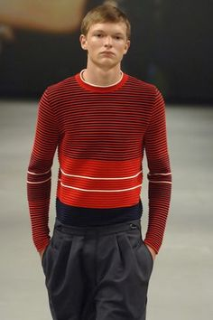 http://Modeconnect.com - Mens knitwear by Raf Simons from the spring/summer 2007 collection