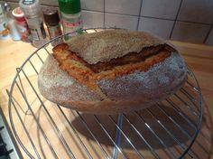 Jednoduchý chleba z droždí: fotopostup | ŠKOLA KVÁSKOVÉHO PEČENÍ Bread, Food, Brot, Essen, Baking, Meals, Breads, Buns, Yemek