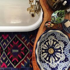 Pattern on pattern love #thejungalowstyle #bohemian #bohohome #interior #interiordesign #ihavethisthingwithtextiles #jungalowstyle #vintageboho #currentdesignsituation #apartmenttherapy