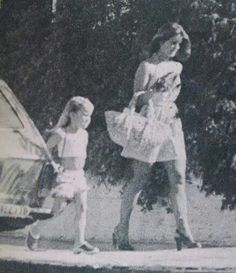 Priscilla and Lisa Marie Presley Young Priscilla Presley, Priscilla Queen, Elvis Presley Family, Elvis And Priscilla, Lisa Marie Presley, Elvis Quotes, Robert Sean Leonard, Family Photo Album, King Of The World
