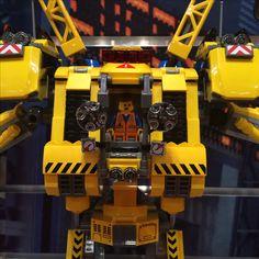 Lego Movie sets: Emmet!