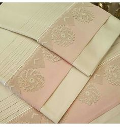 Selda Easy Diy Projects, Sewing Projects, Lace Bedding, Sheets Bedding, Fitness Tattoos, Viking Tattoo Design, Sunflower Tattoo Design, Point Lace, Linens And Lace