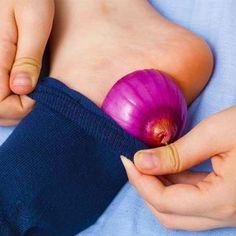 EN SÓLO MINUTOS DESAPARECERÁN LAS VÁRICES, CALLOS Y LOS PIES AGRIETADOS CON ESTE REMEDIO CASERO… - Remedios al Minuto Bolet, Superfoods, Onion, Skin Care, Vegetables, Tips, Beauty, Queso Fresco, Tan Solo