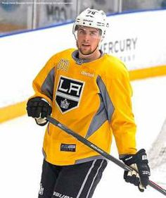LA Kings Rookie LW Tanner Pearson Is Flying As High As His Confidence Has Soared