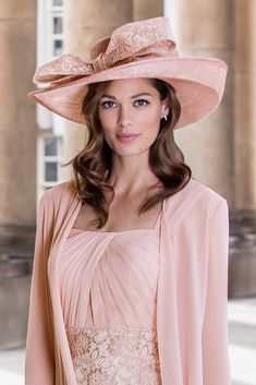 a94f9da2d93e 26249 (John Charles) A large traditional wedding hat with bow in Blush. The