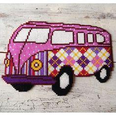 Volkswagen van hama beads by dassommersprossenmaedchen
