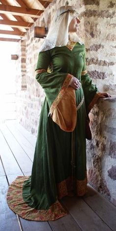Mark Meissen 1200 - Don't look too closely. Medieval Dress, Medieval Fair, Medieval Party, Renaissance Costume, Medieval Costume, Renaissance Clothing, Medieval Fashion, Historical Costume, Historical Clothing